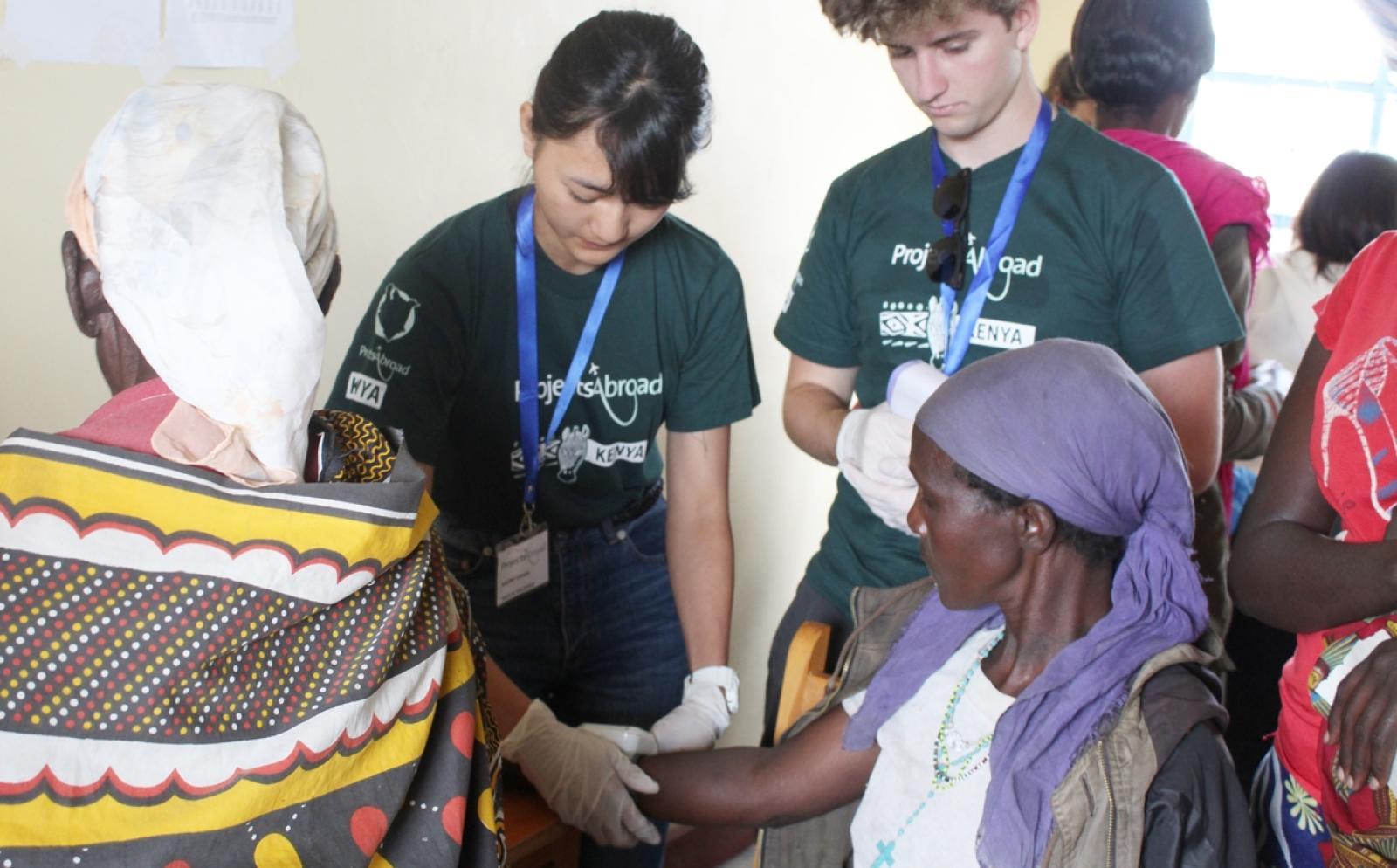日本人高校生ボランティアがケニアで地域型国際医療支援に取り組む